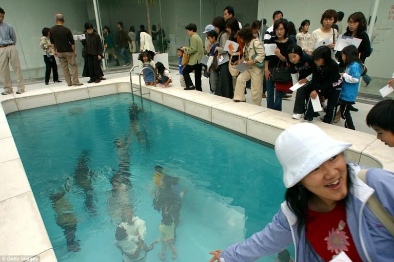 Leandro Erlich's Swimming Pool creates the illusion