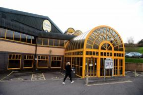 Hundreds back campaign to save Bridport Leisure Centre and swimming pool